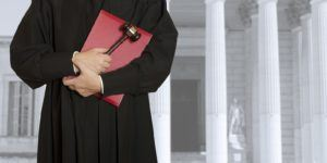 6 Factors for Choosing the Right Law School